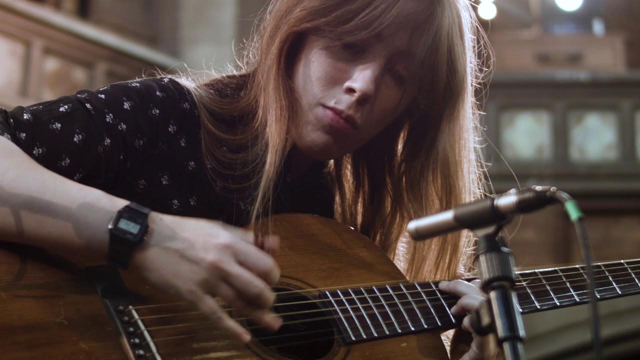 Gwenifer Raymond–Příliš militantní kytaristka