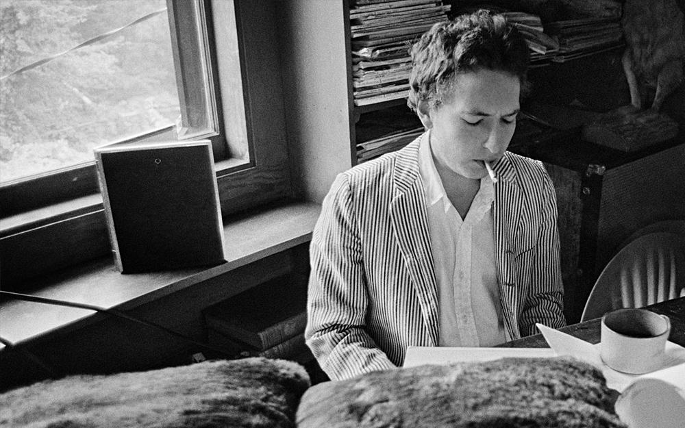 """""""Ginsbergova městská poezie pomáhala utvářet mé městské písně."""" Bob Dylan"""