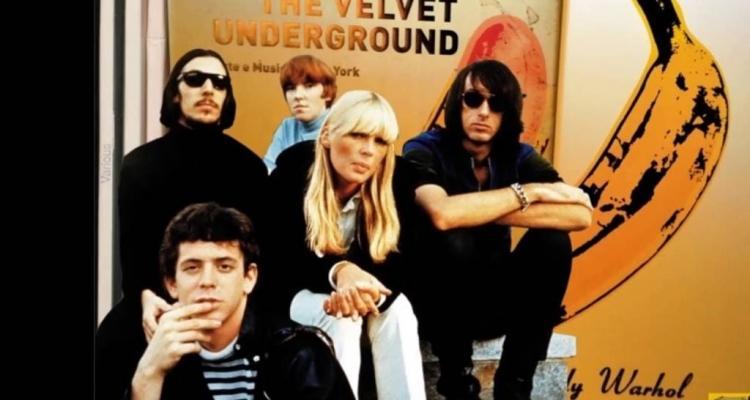 "Velvet Underground vCannes / ""Seděl ve studiu adejchal…"""
